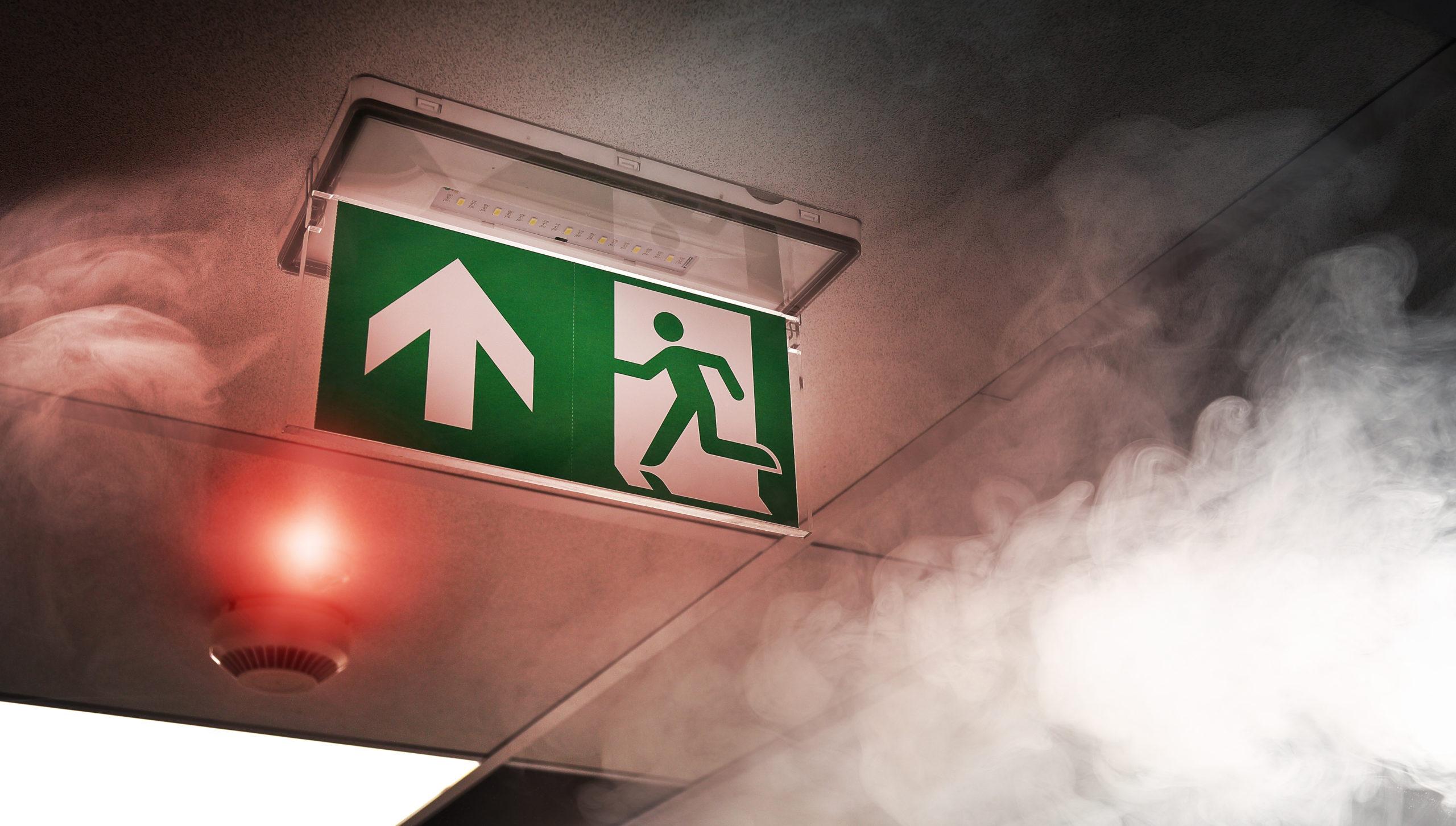 Evacuation suite un incendie dans une entreprise